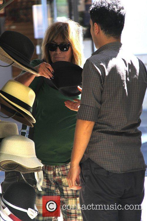 penny marshall out shopping for a new 4048742
