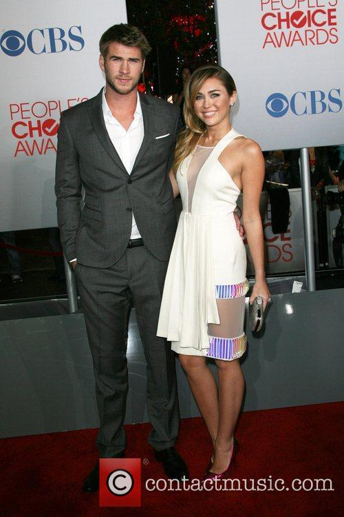 Miley Cyrus, Liam Hemsworth and People's Choice Awards 2