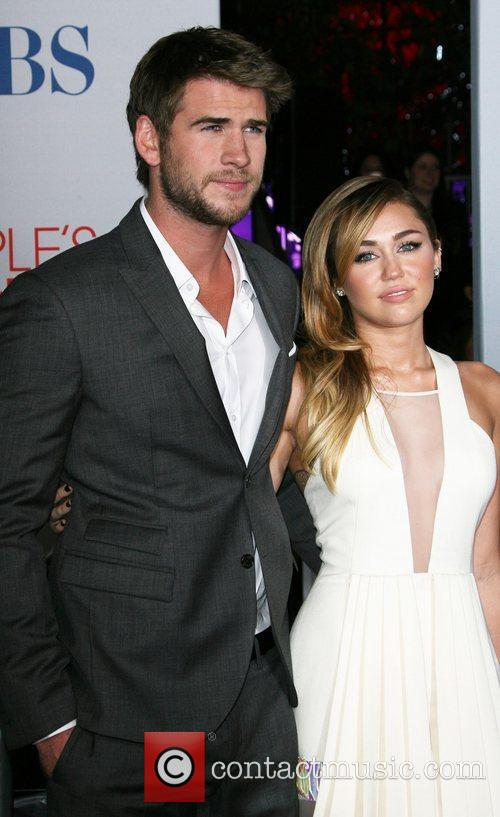 Miley Cyrus, Liam Hemsworth and People's Choice Awards 3