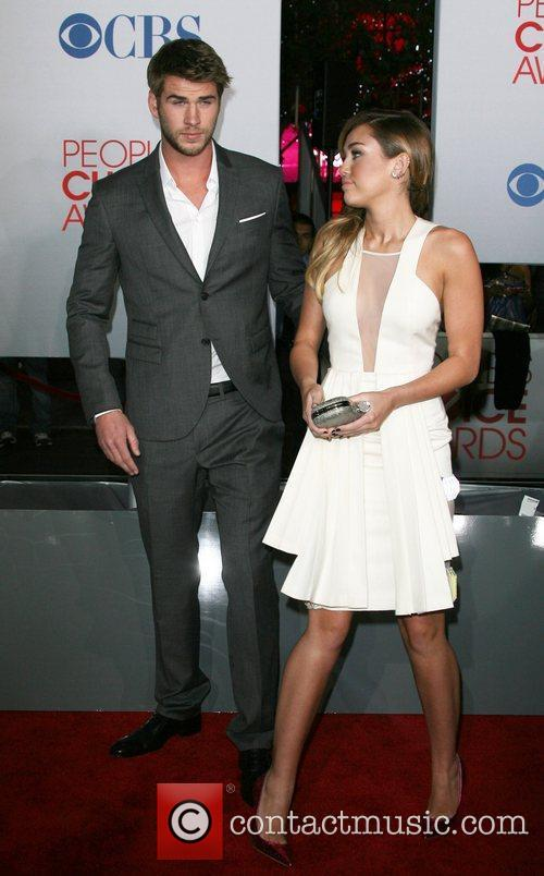 Miley Cyrus, Liam Hemsworth and People's Choice Awards 1