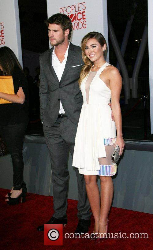Miley Cyrus, Liam Hemsworth and People's Choice Awards 8