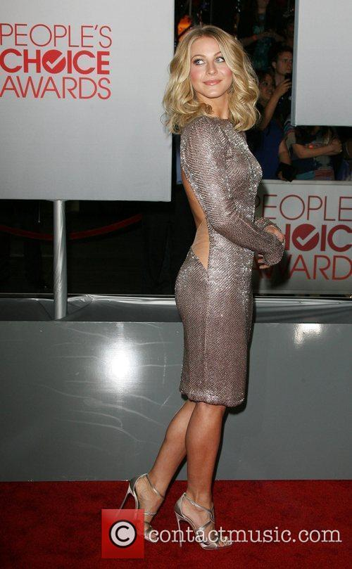 Julianne Hough and People's Choice Awards 7