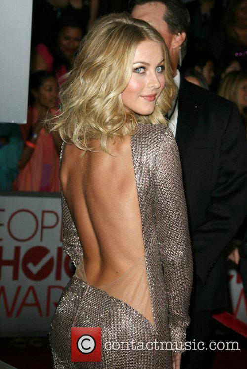 Julianne Hough and People's Choice Awards 8