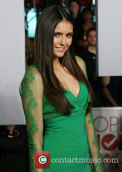 Nina Dobrev and People's Choice Awards 5