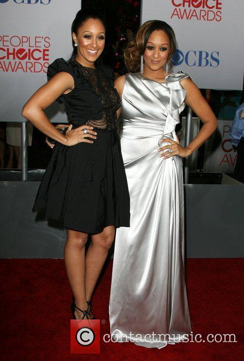 Tia Mowry and People's Choice Awards 2