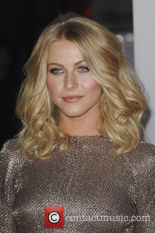 Julianne Hough and People's Choice Awards 11