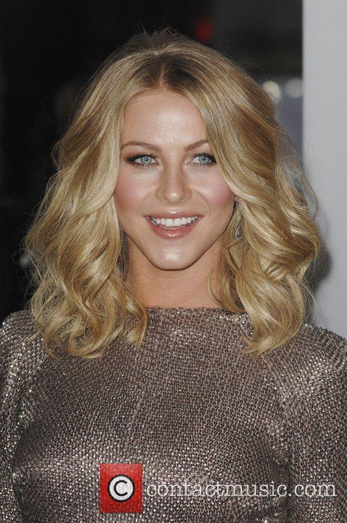 Julianne Hough and People's Choice Awards 12