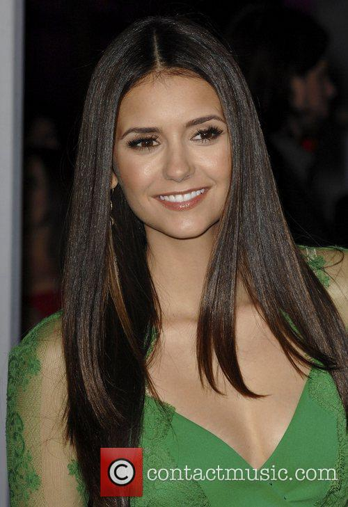Nina Dobrev and People's Choice Awards 6