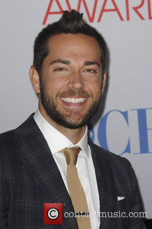 Zachary Levi and People's Choice Awards 2