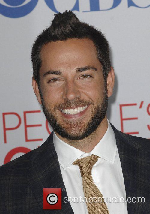 Zachary Levi and People's Choice Awards 3