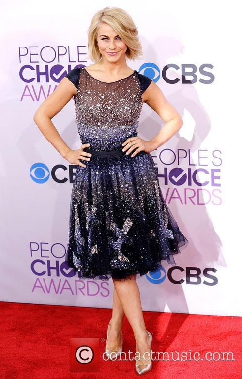 Julianne Hough and Annual People's Choice Awards 5