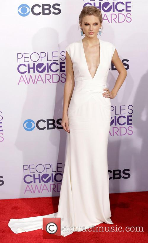 Taylor Swift and Annual People's Choice Awards 3