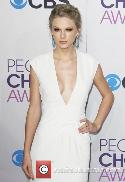 taylor swift 39th annual peoples choice awards 20049059