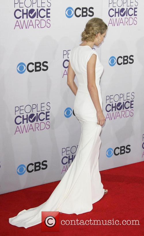 Taylor Swift and Annual People's Choice Awards 19