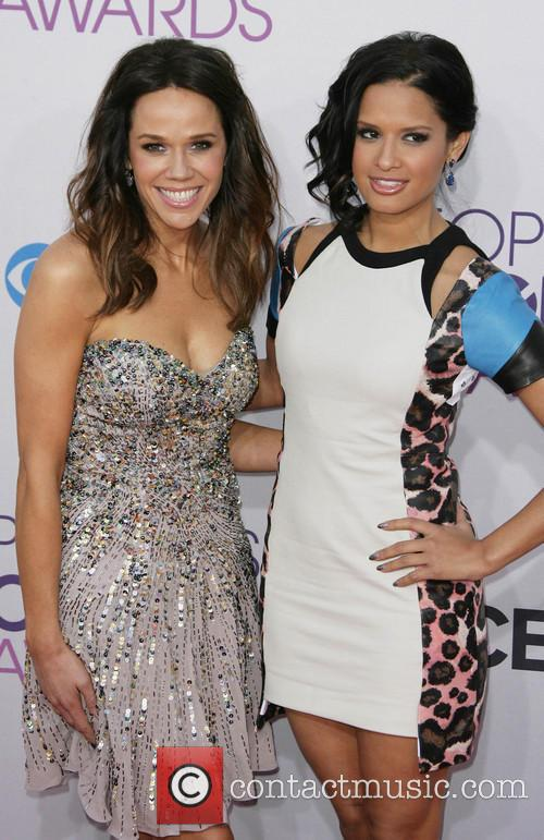 Mary Kitchen, Rocsi Diaz and Annual People's Choice Awards 1