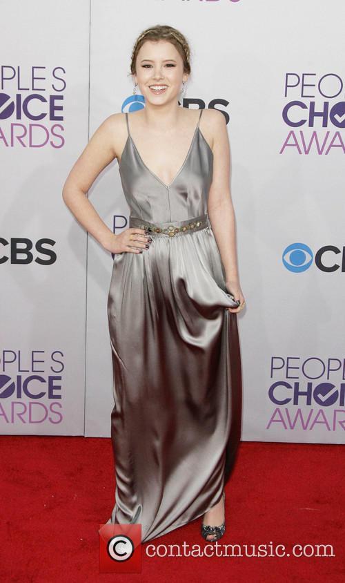 Taylor Spreitler and Annual People's Choice Awards 7