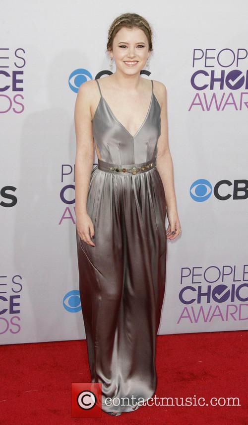 Taylor Spreitler and Annual People's Choice Awards 6