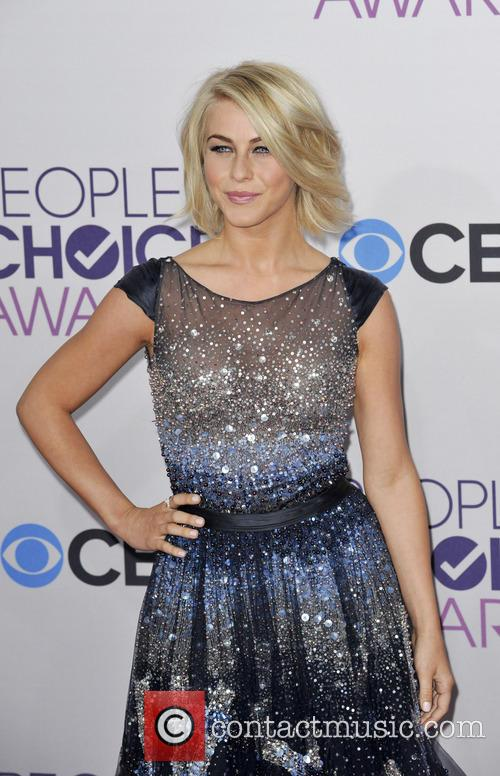Julianne Hough and People's Choice Awards 5
