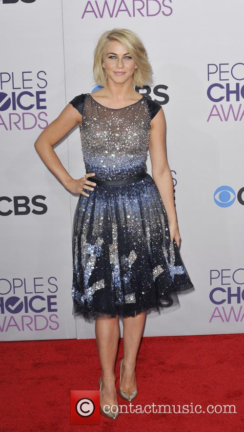 Julianne Hough and People's Choice Awards 9