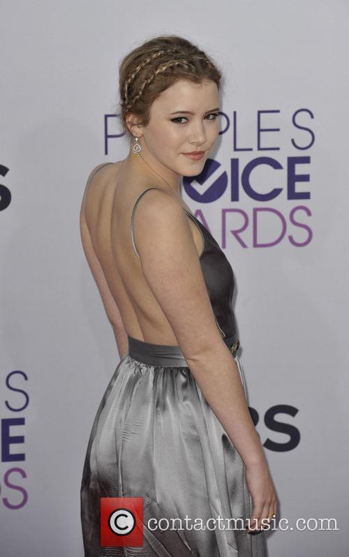 Taylor Spreitler and People's Choice Awards 3