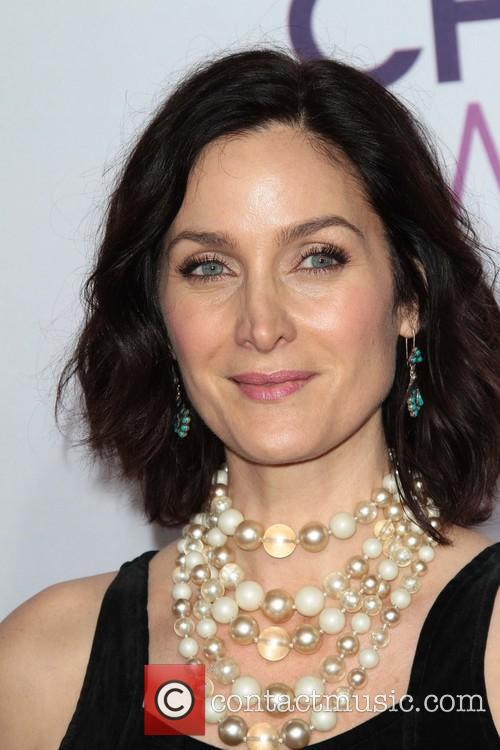 Carrie Anne Moss and Annual People's Choice Awards 4