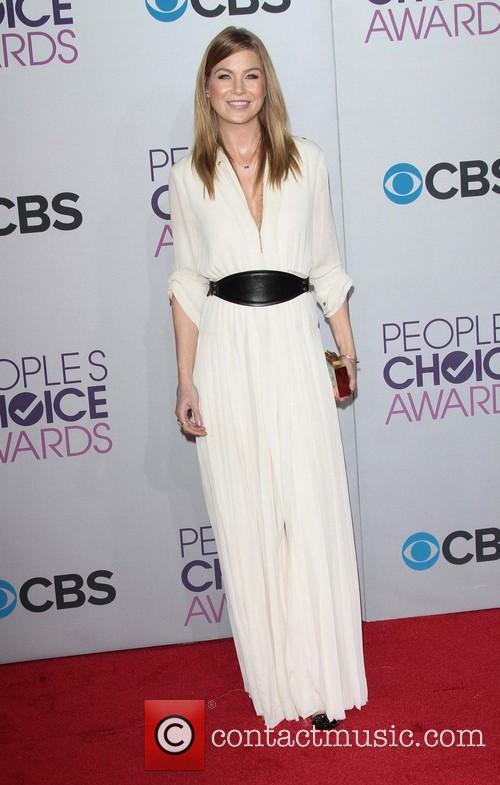 Ellen Pompeo and Annual People's Choice Awards 9