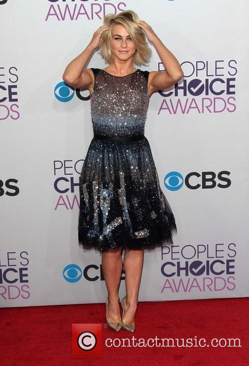 Julianne Hough and Annual People's Choice Awards 13