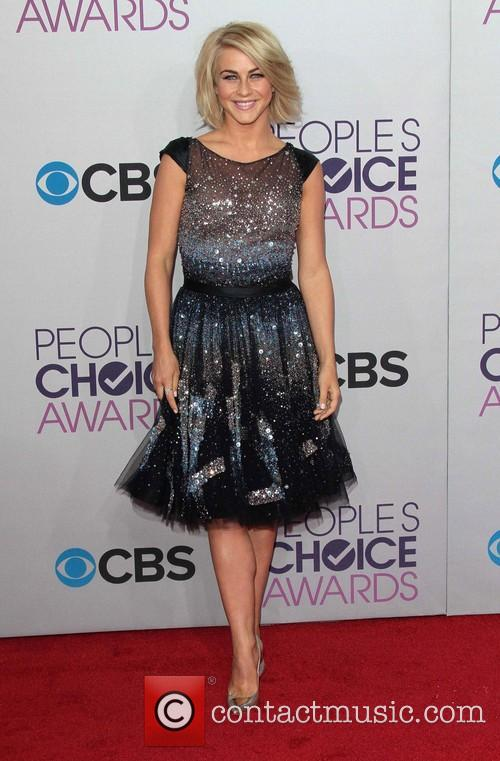 Julianne Hough and Annual People's Choice Awards 15