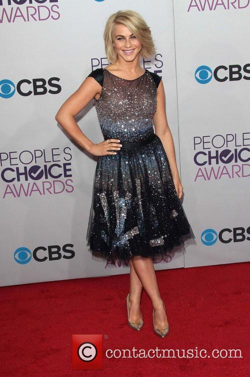 Julianne Hough and Annual People's Choice Awards 1