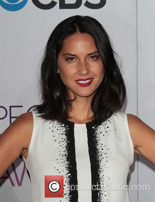 Olivia Munn and Annual People's Choice Awards 16