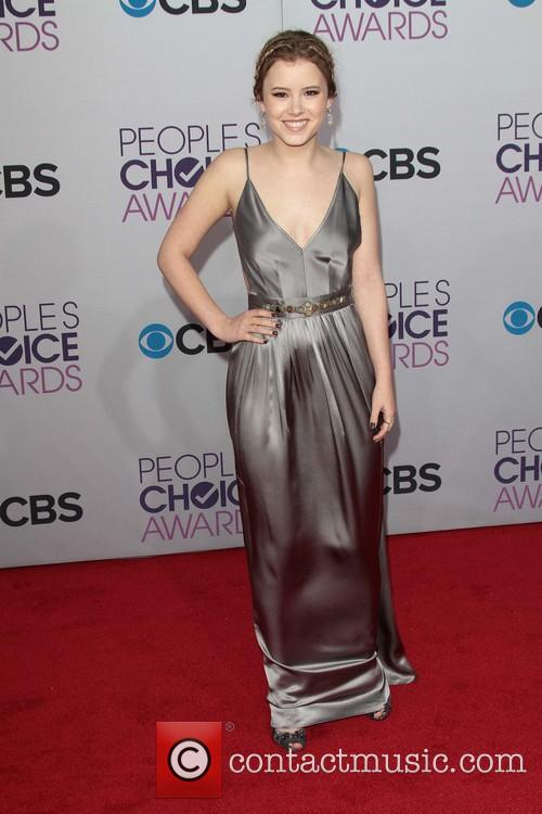 Taylor Spreitler and Annual People's Choice Awards 8
