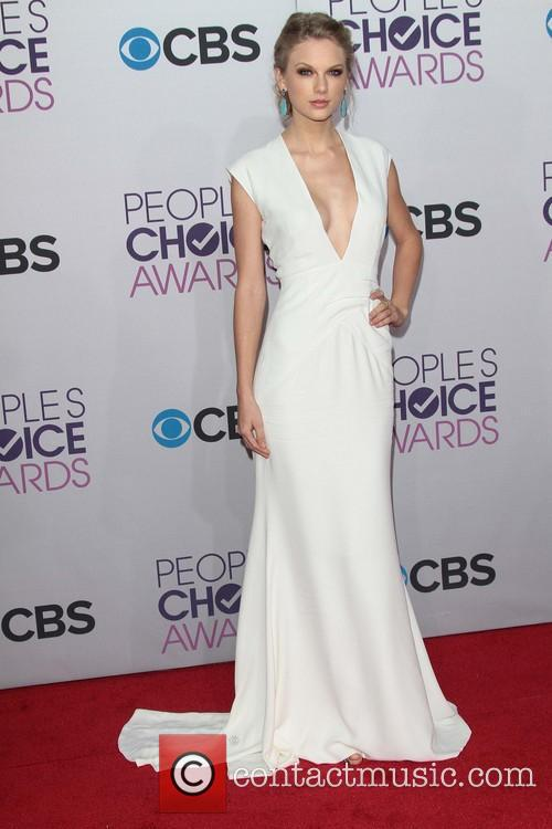 Taylor Swift and Annual People's Choice Awards 6