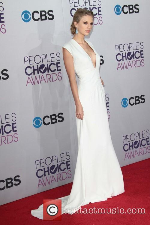 Taylor Swift and Annual People's Choice Awards 2