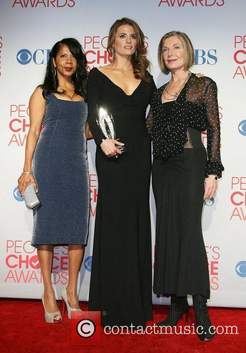 Stana Katic, Susan Sullivan and People's Choice Awards 2