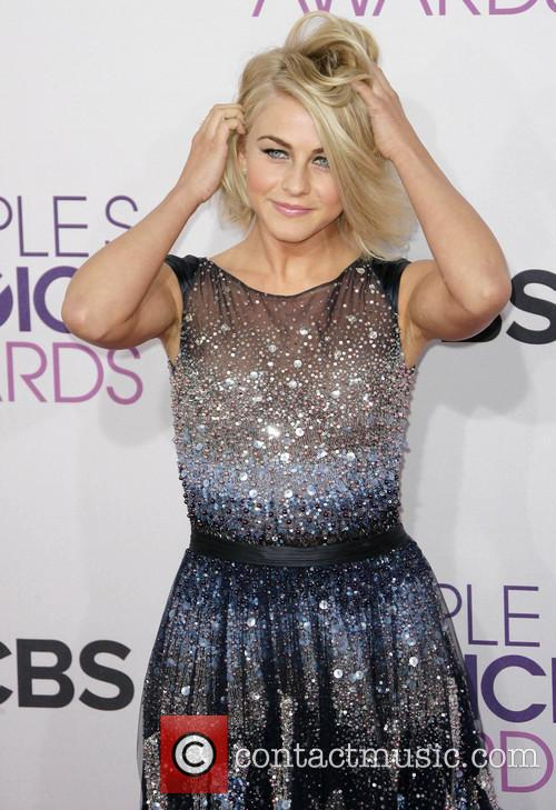 Julianne Hough and Annual People's Choice Awards 9