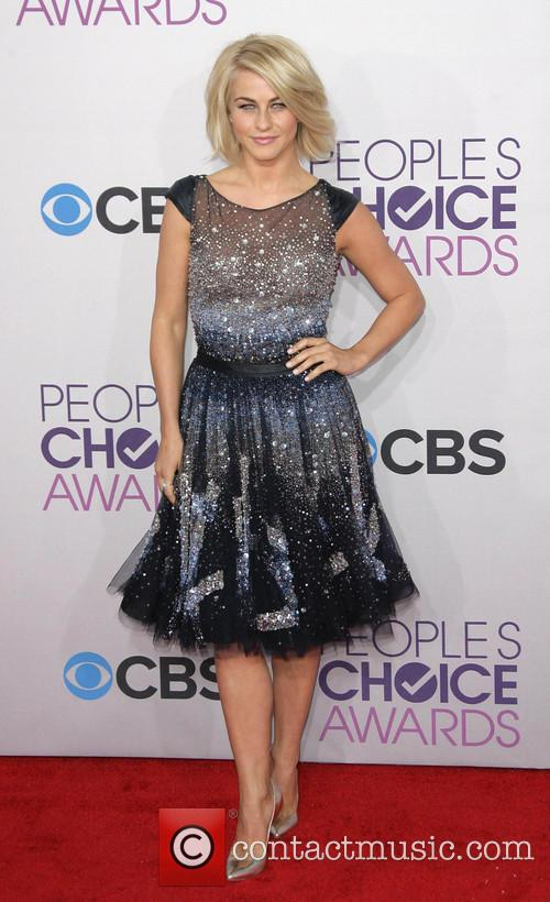 Julianne Hough and Annual People's Choice Awards 8