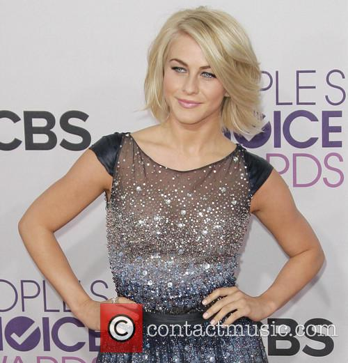 Julianne Hough and Annual People's Choice Awards 4