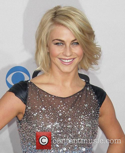 Julianne Hough and Annual People's Choice Awards 10