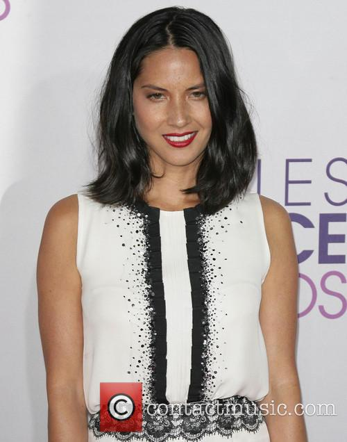 Olivia Munn and Annual People's Choice Awards 6