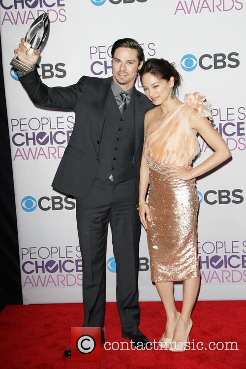 Kristin Kreuk and Jay Ryan 9
