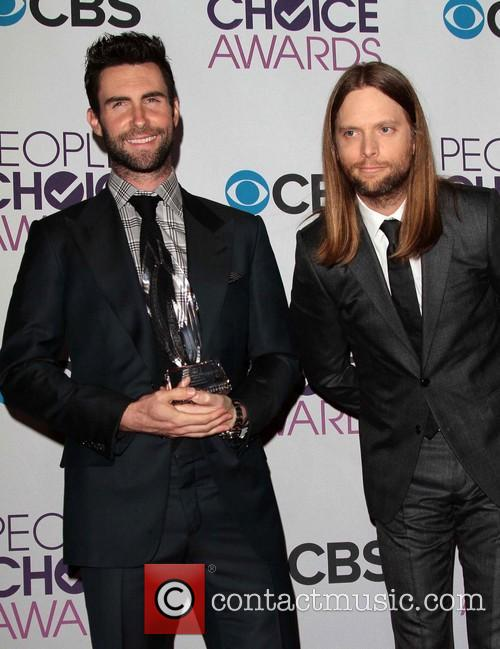 Adam Levine, James Valentine and Annual People's Choice Awards 4