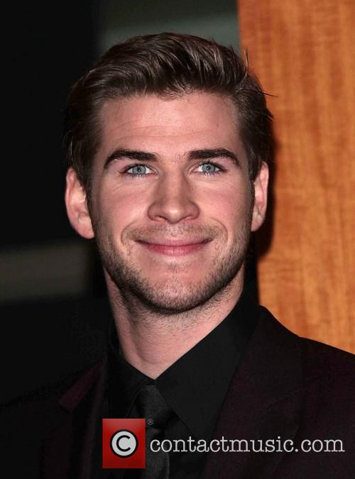 Liam Hemsworth and Annual People's Choice Awards 11