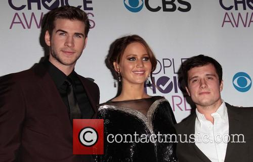 Liam Hemsworth, Jennifer Lawrence, Josh Hutcherson and Annual People's Choice Awards 4