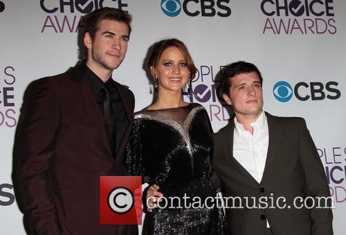 Liam Hemsworth, Jennifer Lawrence, Josh Hutcherson and Annual People's Choice Awards 6