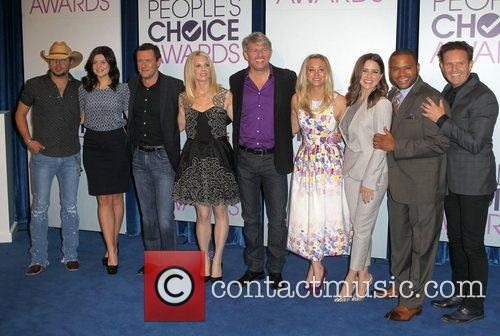 Jason Aldean, Casey Rose Wilson, Jason O'mara, Monica Potter, Kaley Cuoco, Sophia Bush, Anthony Anderson, Mark Burnett and People's Choice Awards 6