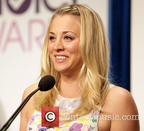 Kaley Cuoco and People's Choice Awards 9