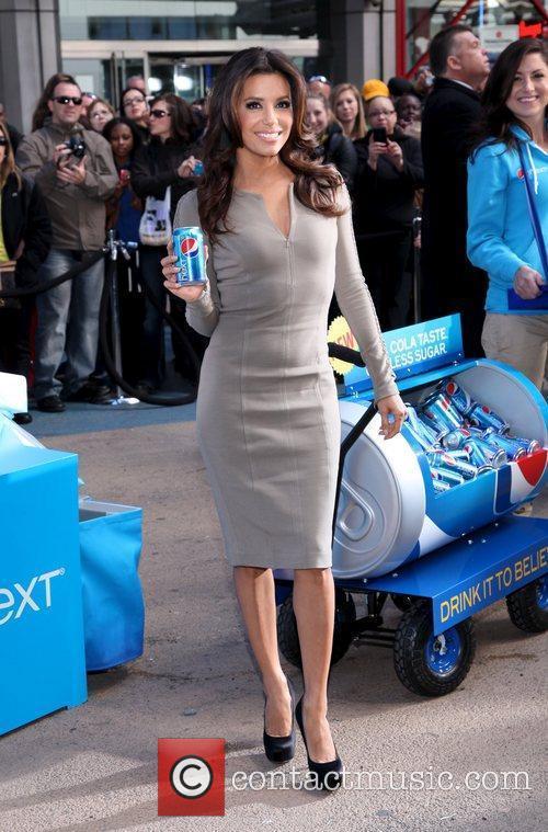 Eva Longoria and Times Square 6