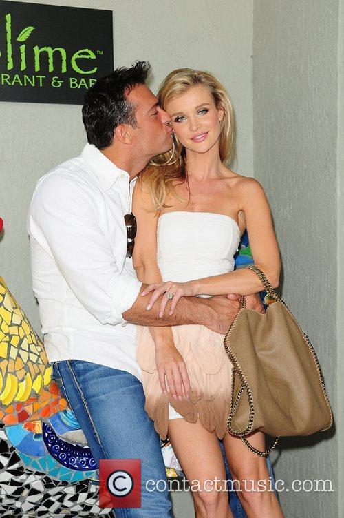 Joanna Krupa and Romain Zago 7
