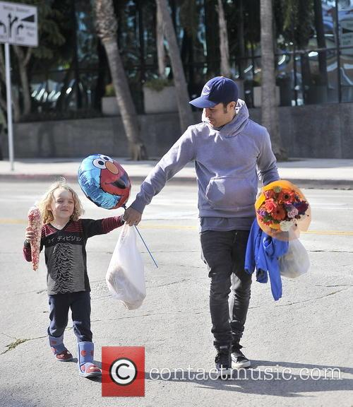 Pete Wentz and Bronx Mowgli Wentz 4