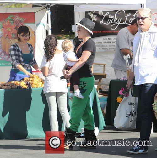 Pink, Alecia Moore, Willow and Malibu Farmer's Market 5